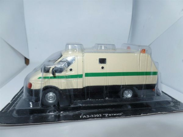 DEAGOSTINI RUSSIAN LEGENDS RA3-3302 PATHNK RUSSIAN SECURITY VAN 1:43